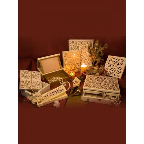 A royal combination of luxury invite with return gift